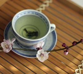 grüner Tee, japanischer Rosengarten, nicht fermentierter Tee